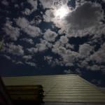 屋根から見るスーパームーン