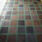 床にタイル施工3日目